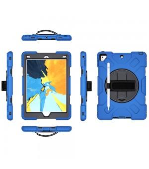 Case Met Handstrap iPad 9.7 2017 / 2018 Blauw